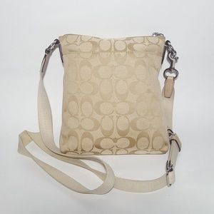 Coach Bags - Vintage Coach C Logo Shoulder Bag Tote Purse